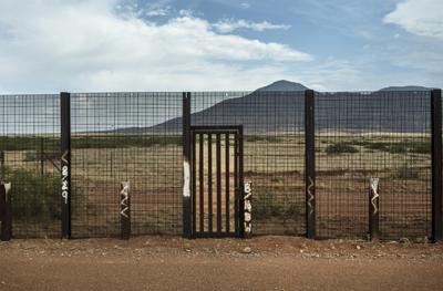 Image of Mexico border fencing